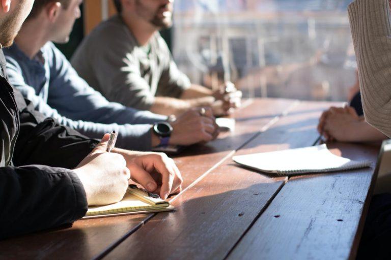 Kto pomoże młodej firmie podbić rynek w swojej branży?